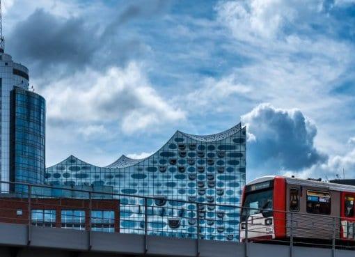 Autonom fahrende Busse in Hamburg - Modell der Zukunft?